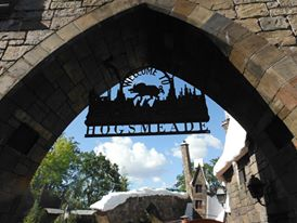 Eingang von Hogsmeade in Universal's Islands of Adventure
