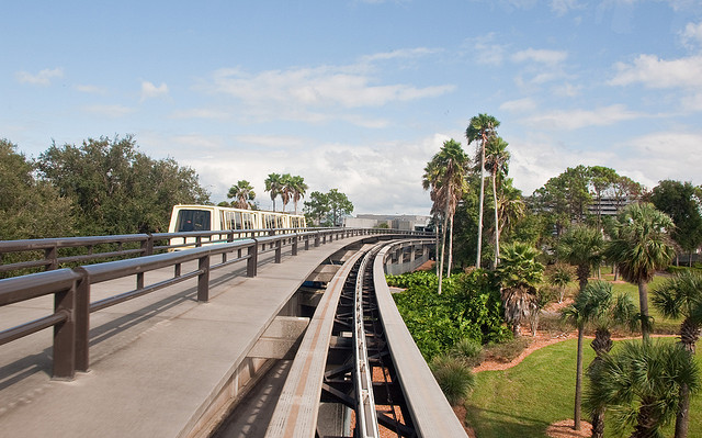 Der Skytrain am Orlando International Airport